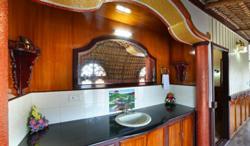 Backwater Houseboat Packages in Kumarakom